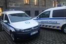 Denik.cz: Strážníci v Bílině se prohánějí v nových autech na CNG