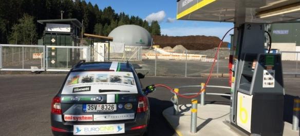 tankovani-bioplynu-pred-startem-ecorun-1000-jezer-768x576