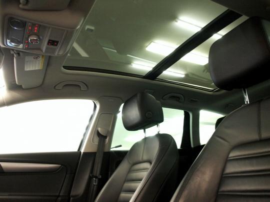 VW Passat 1.4TSI Ecofuel Premium MAN 2014 – panorama, RCD510, kůže, bixenony