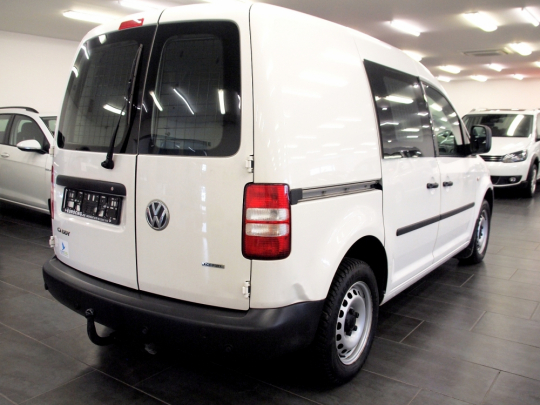 Volkswagen Caddy 2.0 EcoFuel MAN 2012 – skříň, vyhř. sedačky, tempomat, PDC