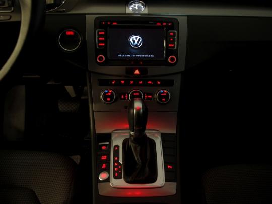 VW Passat 1.4TSI Ecofuel Masters++ DSG 2014 – adapt. tempomat, nez. topení, 2xPDC, keyless