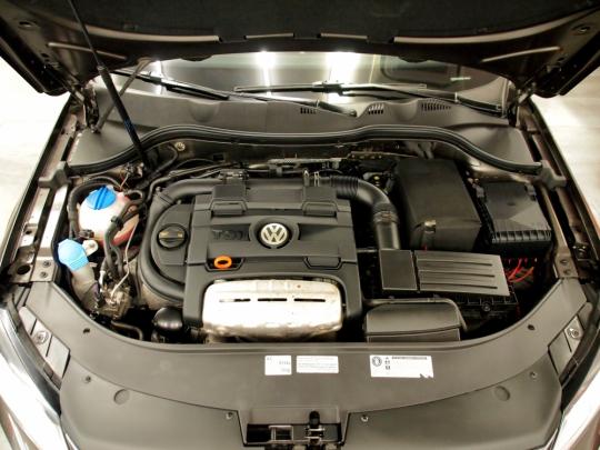 VW Passat 1.4TSI Ecofuel Masters MAN 2012 – tažné, kamera, RCD510, akustická skla