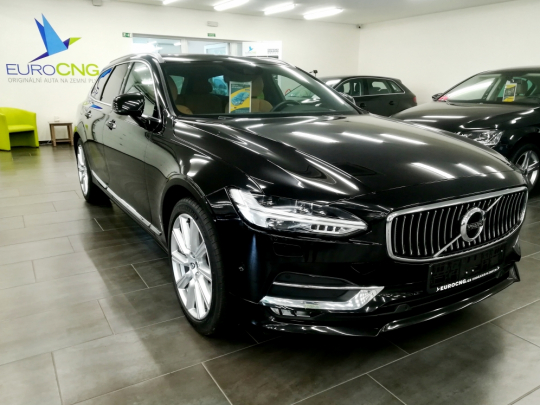 (476) Volvo V90 T5 Bi-Fuel Inscription AUT 2017 – TOP výbava, záruka Volvo