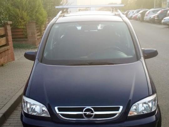 Opel Zafira 1.6 CNG, 11/2004, 7 míst,+ zimní gumy(plech,6mm)
