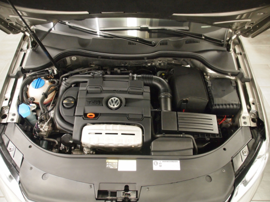 (119) Volkswagen Passat 1.4TSI R-line Ecofuel Premium AUT 2013