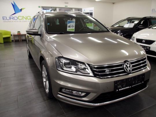 (119) Volkswagen Passat 1.4TSI R-line Ecofuel Premium AUT 2013 349 000 Kč odpočet DPH není možný Původní cena: 379 000 Kč
