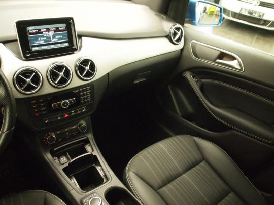 (830) Mercedes-Benz B200 NGD Natural Gas AUT 2015