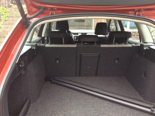 Pekný VW Touran