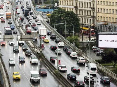 Praha chce zlepšit ovzduší, podpoří alternativní pohony v dopravě