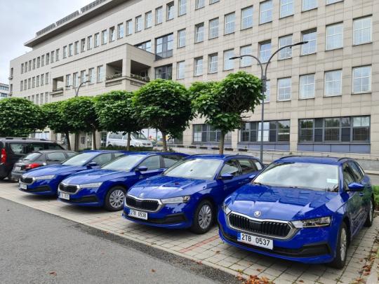 Moravskoslezský kraj vyřadil stará auta na benzín, nahradil je ekologičtějšími CNG vozidly
