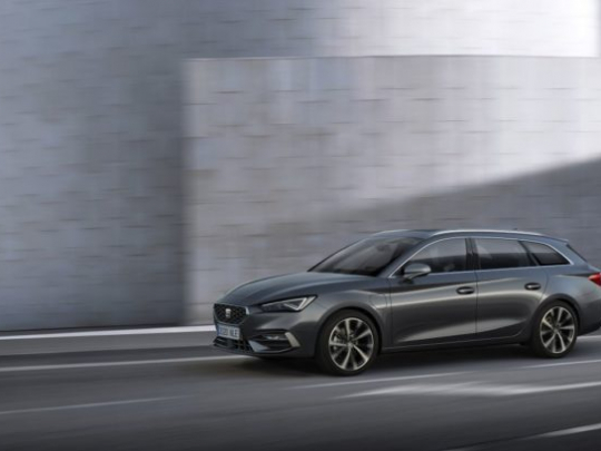 seat-launches-the-all-new-seat-leon_05_small-728x409