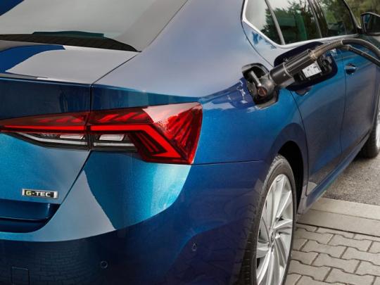 3-G-TEC_fueling-768x511